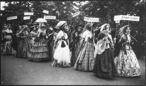 3-8 Suffragettes-a-Londres